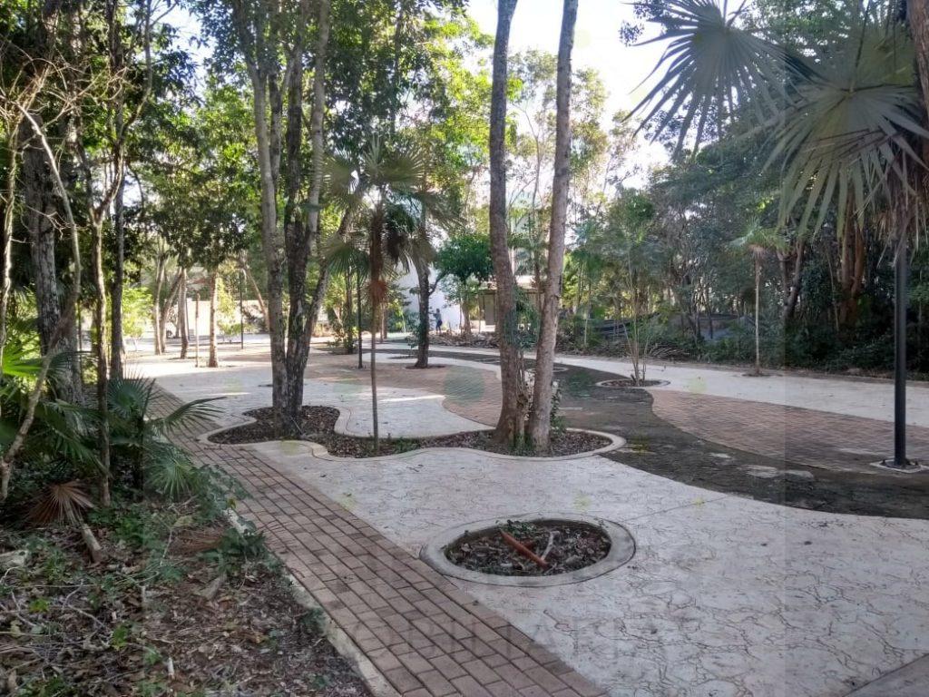 Lotes mixtos en 2 niveles sobre Paseo Peatonal en Aldea Zama – Tulum