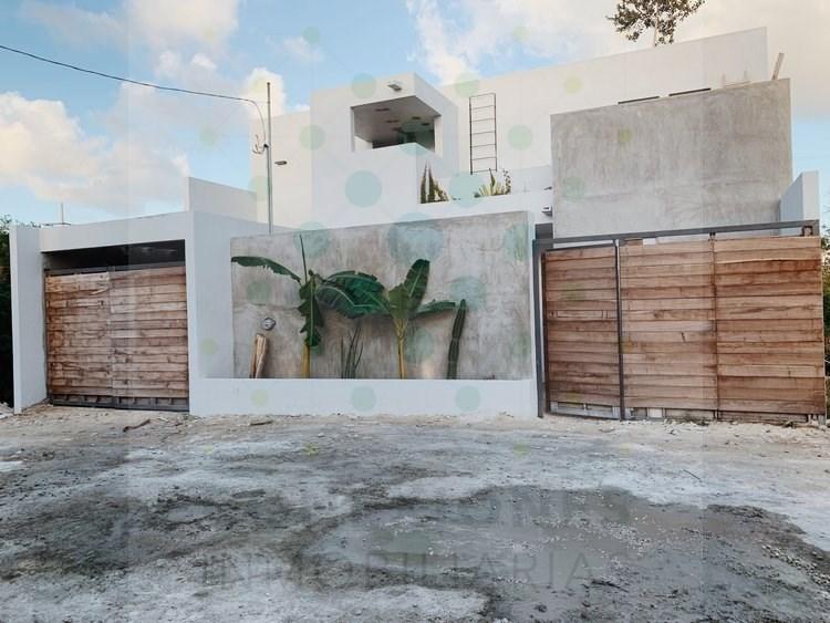 """En venta casa en """"Región 15"""" diseñada para dividirla en dos casas – Tulum"""