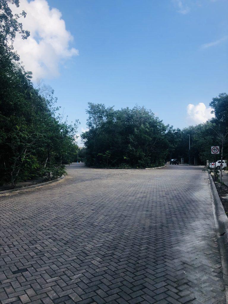 Lote residencial unifamiliar en Aldea Zama Tulum