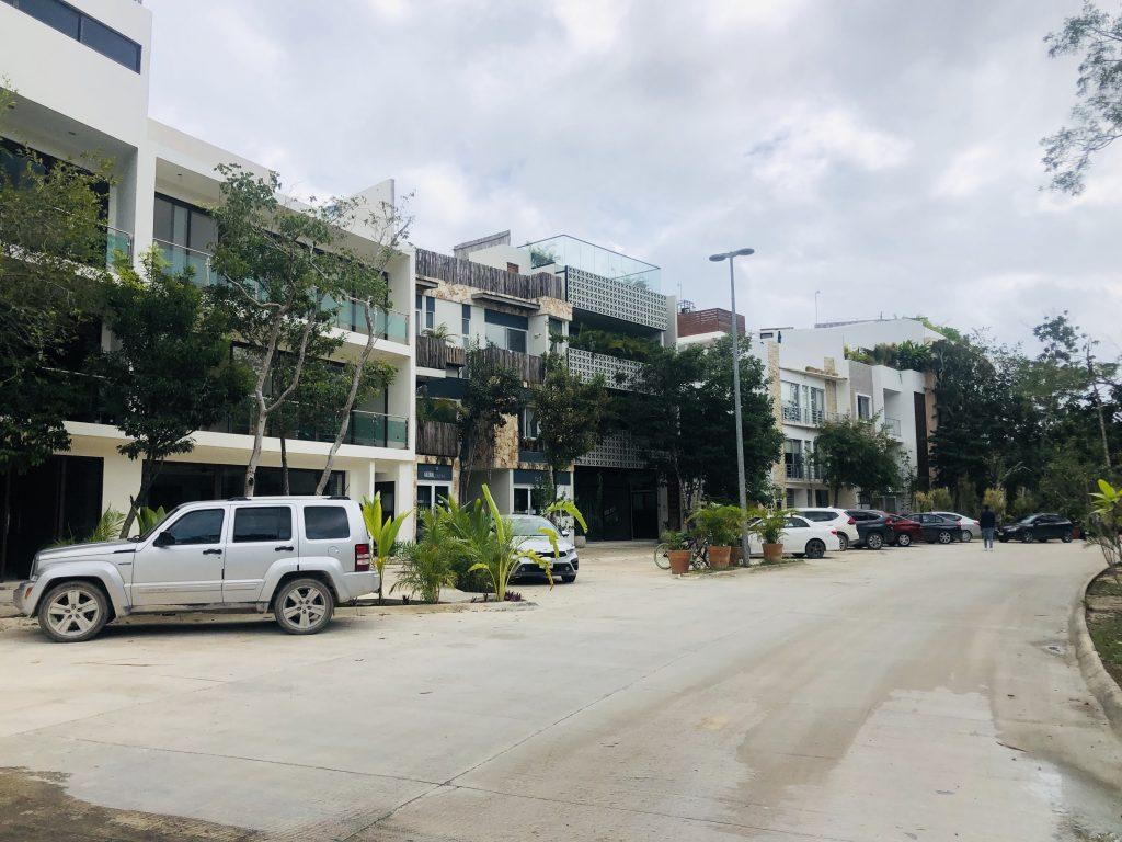 Renta de local comercial con ubicación estratégica en Aldea Zamá